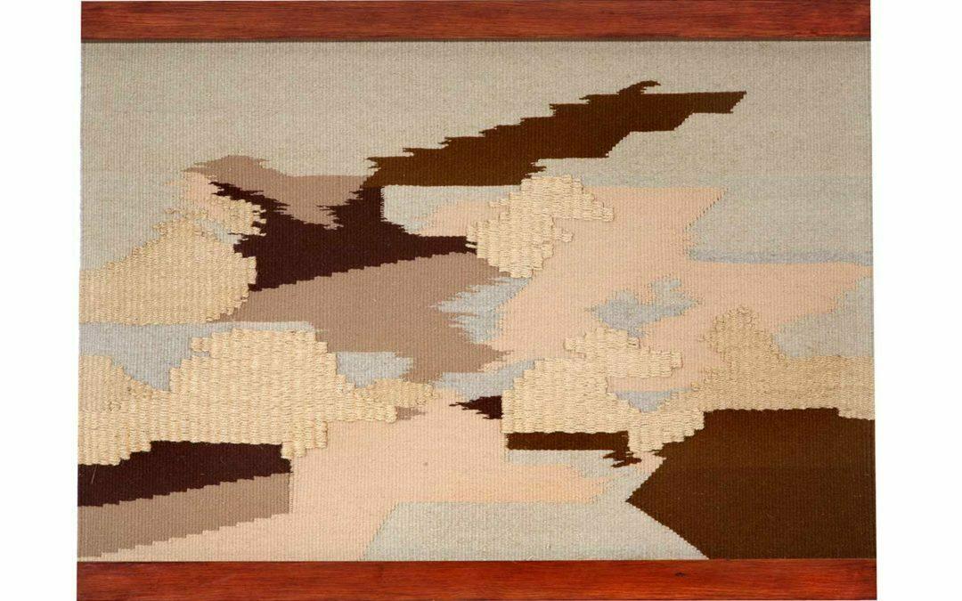 Plumeo en marrón